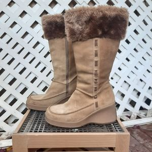 "Sketchers ""Mukluk"" leather heeled boot"